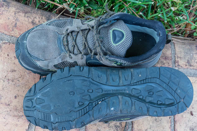 best walking travel shoes
